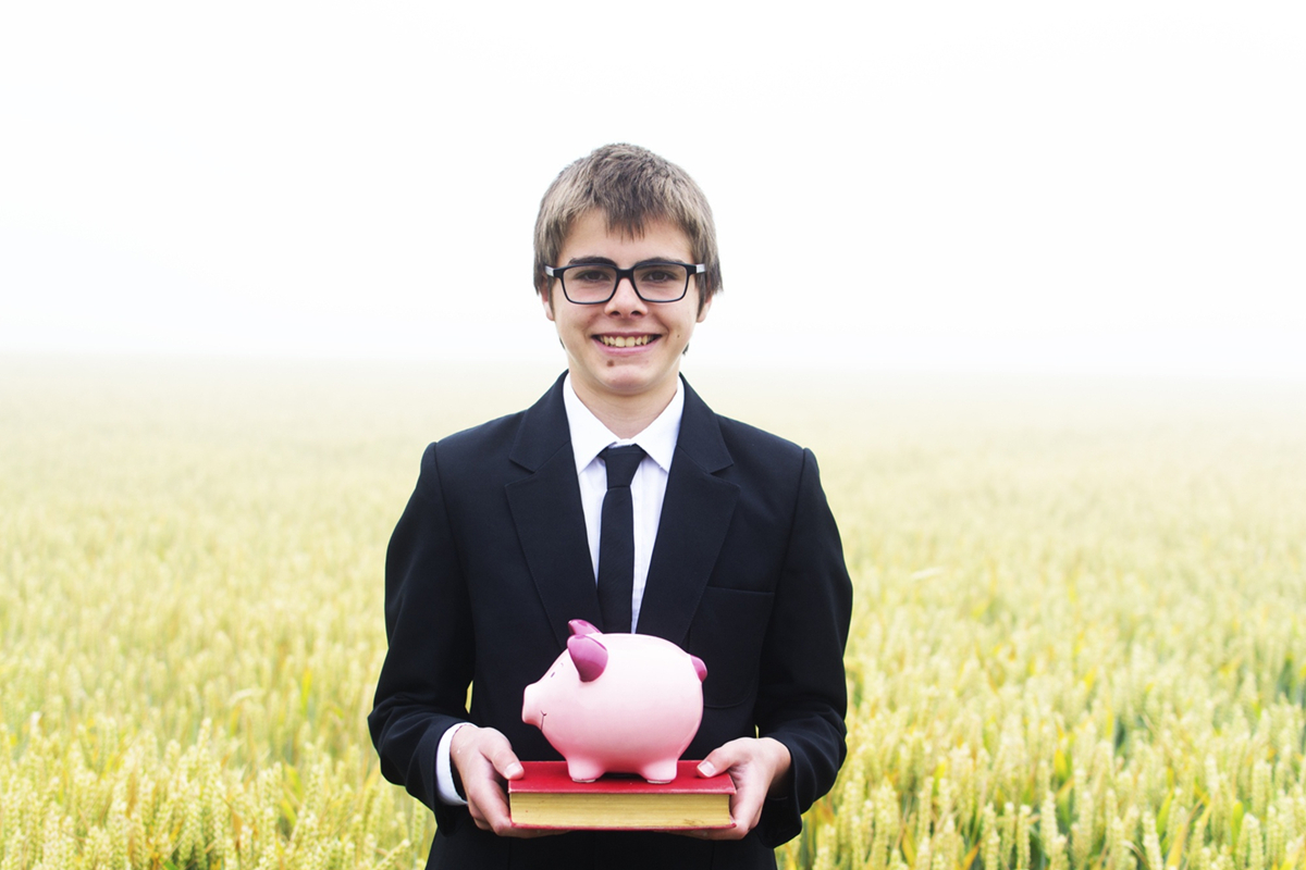 How Students Can Improve Their Financial Literacy