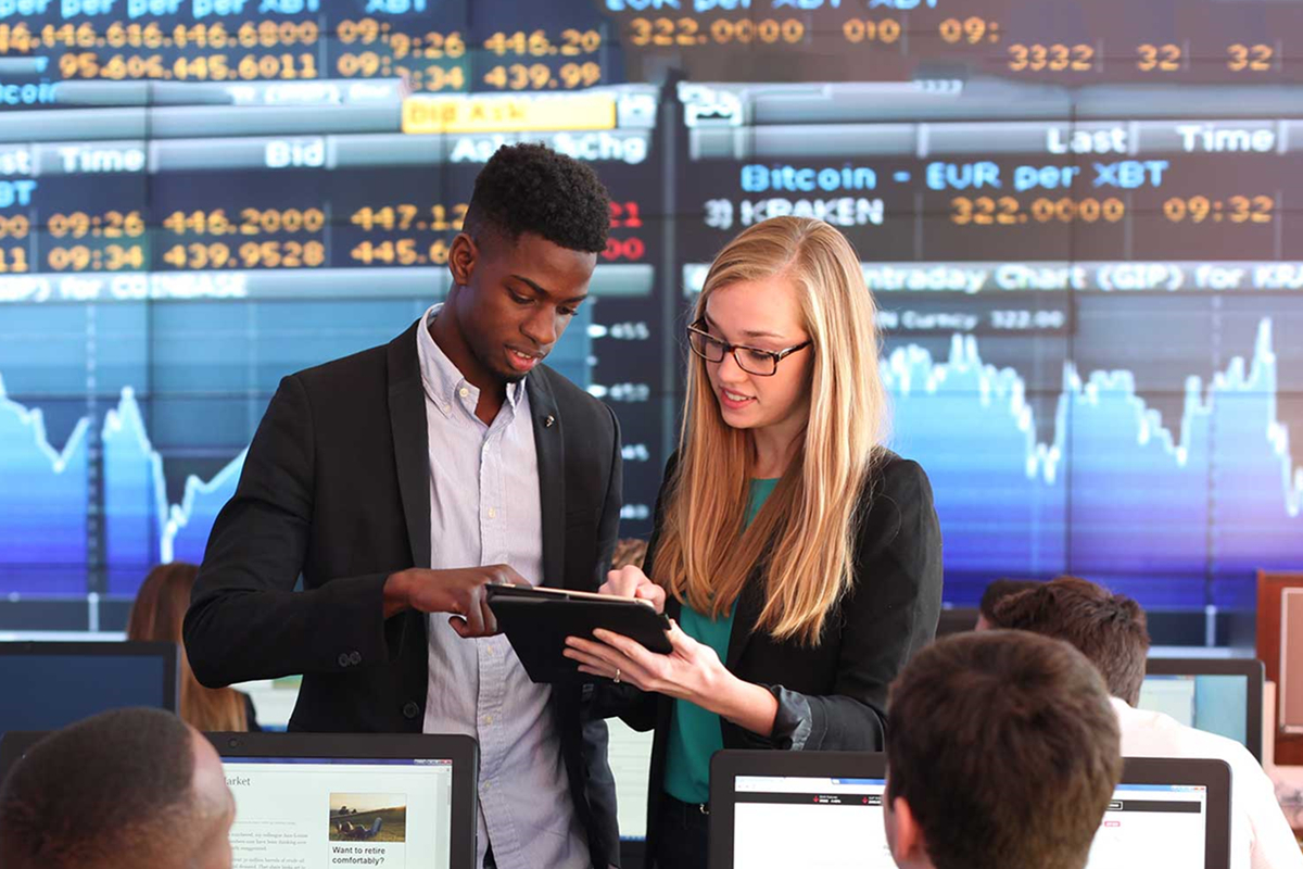 Tips For Financial Products For College Students
